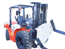 HELI 3.5T All Terrain Diesel Forklift Buggy with Rotator - picture0' - Click to enlarge