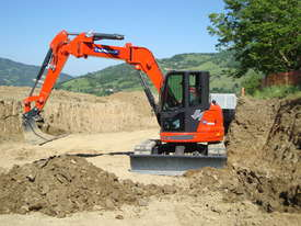 9.5 Tonne Excavator for HIRE with Buckets & Ripper - picture0' - Click to enlarge