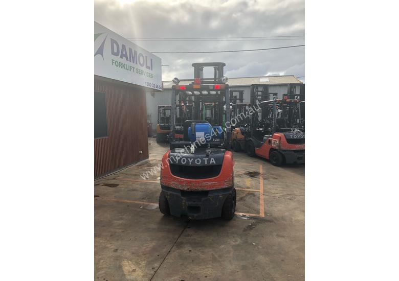 2.5 Tonne Standard Mast Forklift with Side Shift & Fork Positioner