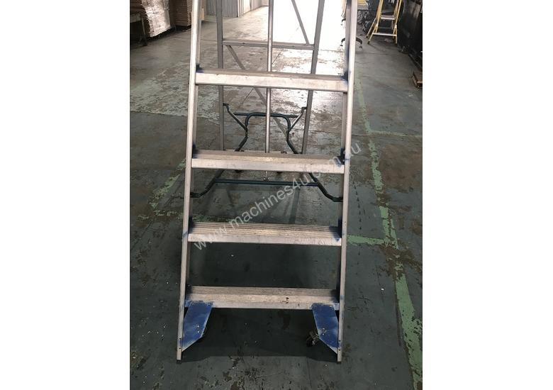 Phenomenal Ullrich Aluminium 2 Meter Platform Step Ladder Light Weight Onthecornerstone Fun Painted Chair Ideas Images Onthecornerstoneorg