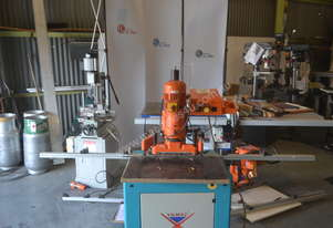 Blum   7 spindle borer