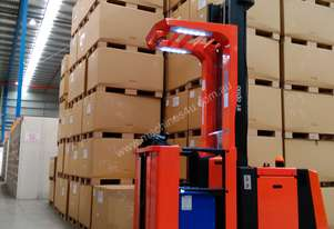BT   Forklifts OME100M