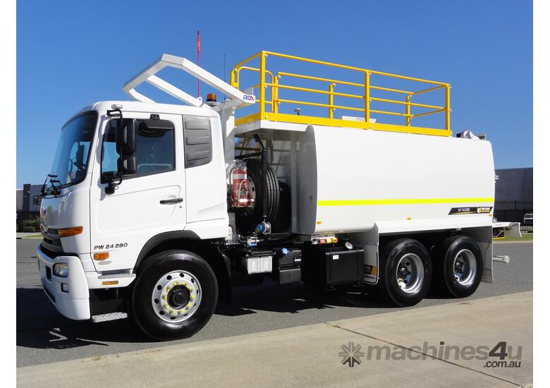 UD PW 280 14,000 LITRE WATER TRUCK