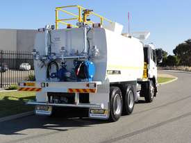 UD PW 280 14,000 LITRE WATER TRUCK - picture2' - Click to enlarge