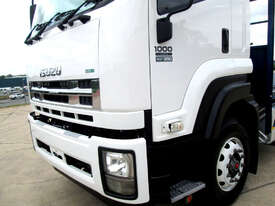 Isuzu FXD 1000 Tray Truck - picture8' - Click to enlarge