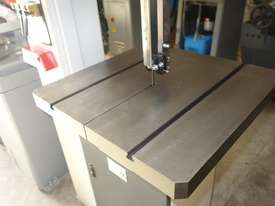 Vertical Metal Bandsaw - picture9' - Click to enlarge