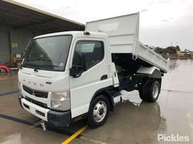 2017 Mitsubishi Fuso Canter 715 - picture2' - Click to enlarge