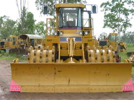 Cat Compactor 825C hire - picture0' - Click to enlarge