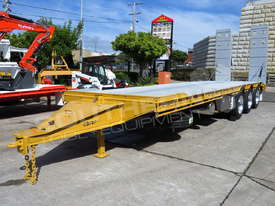 Interstate trailers Tri Axle Tag Trailer 28 Ton ATM Custom Yellow ATTTAG - picture1' - Click to enlarge