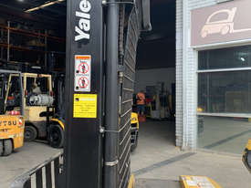 Electric Walkie Stackers For Sale - picture2' - Click to enlarge