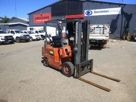 Circa 1992 Nissan J01A18U Container Mast 1.8 Tonne LPG Forklift (GA1259) - picture1' - Click to enlarge