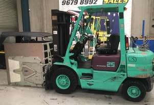 Container Mast Forklift with specialised delicate goods clamp
