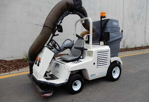 Tennant 4300 Sweeper Sweeping/Cleaning