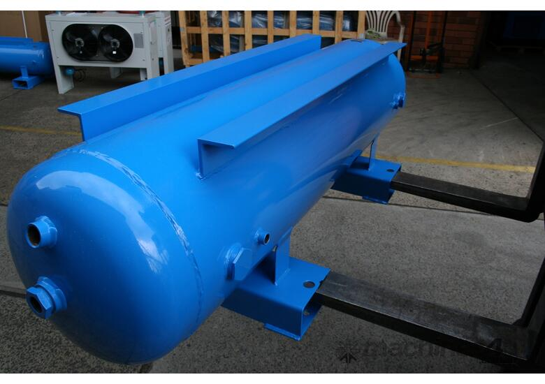 450 LITRE HORIZONTAL AIR RECEIVER PRIMED & PAINTED