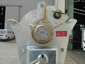 REDMOND GARY 14 Tonne Cable Drum Stand - picture1' - Click to enlarge