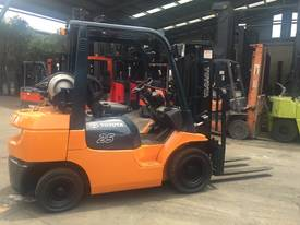 TOYOTA 7FG25 4300mm Lift Container Mast