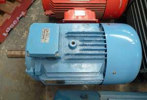 FASCO 30HP 3 PHASE ELECTRIC MOTOR/ 1470RPM
