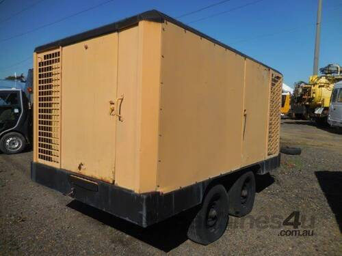 INGERSOLL-RAND XP900WCU 900CFM MOBILE DIESEL AIR C