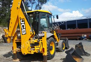 2011 JCB 3CXSM 4T Front End Loader/Backhoe with At