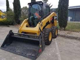 USED CAT 246D WITH LOW HOURS - picture2' - Click to enlarge