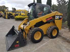 USED CAT 246D WITH LOW HOURS - picture3' - Click to enlarge