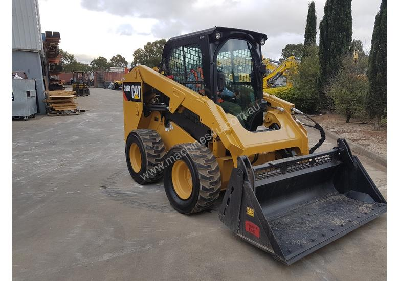 USED CAT 246D WITH LOW HOURS
