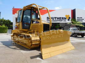 D5G XL Dozers Screens & Sweeps DOZSWP - picture5' - Click to enlarge