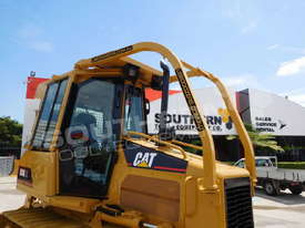 D5G XL Dozers Screens & Sweeps DOZSWP - picture1' - Click to enlarge