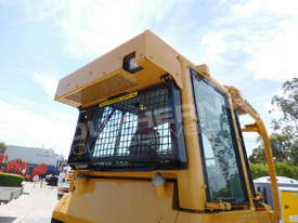 D5G XL Dozers Screens & Sweeps DOZSWP - picture3' - Click to enlarge