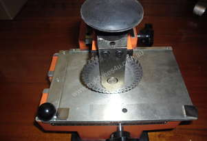 Or  ID TAG STAMPING MACHINE