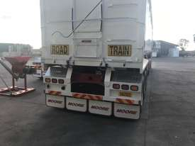 Moore Semi Tipper Trailer - picture2' - Click to enlarge