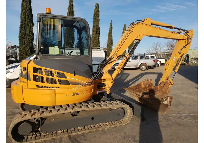 2013 CASE CX55BX EXCAVATOR WITH FULL A/C CAB, HITCH AND BUCKETS