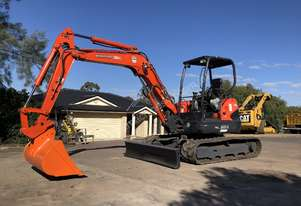 Kubota U45-3ST 4.5T Zero Swing, Hogan Quick Hitch, 1200mm Mud Bucket, New Cutting Edge