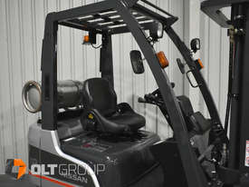 Nissan P1F 1.8 tonne forklift Sydney 5.5m Lift Height LPG  - picture4' - Click to enlarge