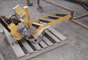 HYDRAULICALLY OPERATED GRADER ACCESS STAIRS