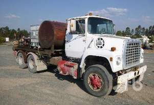 Ford   8000 Service Truck