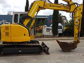 SUMITOMO SH75X 8T EXCAVATOR WITH OFFSET BOOM, HITCH AND BUCKETS. 4150 HOURS - picture0' - Click to enlarge