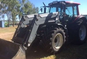 Valtra    N141 FWA/4WD Tractor