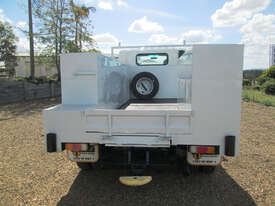 Isuzu NPR275 Service Body Truck - picture6' - Click to enlarge