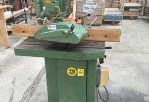 SCM Invincible series T100 spindle moulder with feeder