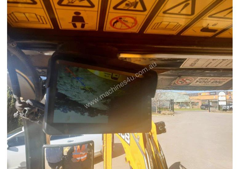 JCB 8025ZTS 2.5T EXCAVATOR WITH HYDRAULIC HITCH, BUCKETS LOW HOURS