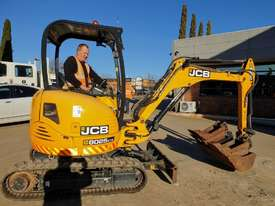 JCB 8025ZTS 2.5T EXCAVATOR WITH HYDRAULIC HITCH, BUCKETS LOW HOURS - picture0' - Click to enlarge