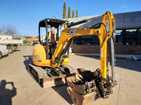 JCB 8025ZTS 2.5T EXCAVATOR WITH HYDRAULIC HITCH, BUCKETS LOW HOURS - picture2' - Click to enlarge