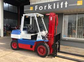 4.0T LPG CONTAINER ENTRY FORKLIFT - picture0' - Click to enlarge