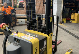 Hyster Electric Walkie Stacker