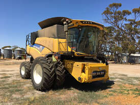 New Holland CR8.90 Header(Combine) Harvester/Header - picture0' - Click to enlarge