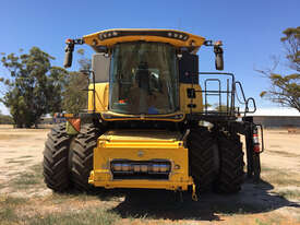 New Holland CR8.90 Header(Combine) Harvester/Header - picture1' - Click to enlarge