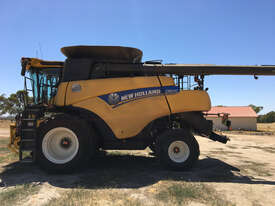 New Holland CR8.90 Header(Combine) Harvester/Header - picture2' - Click to enlarge