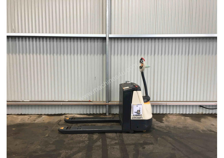 Crown WP2320 Walk Behind Forklift