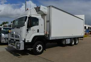 2009 ISUZU FXD 1000 - Pantech trucks - Refrigerated Truck - Freezer